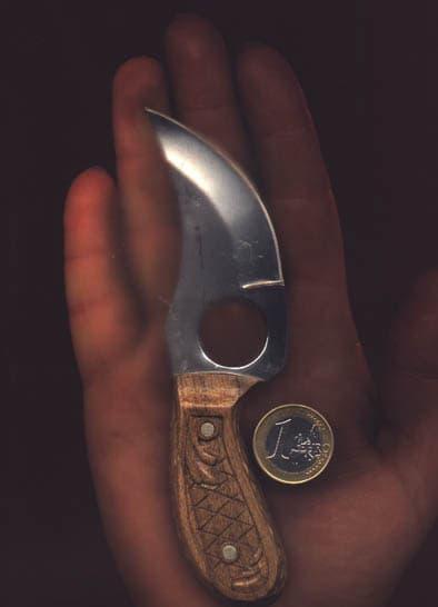 knife_hend.jpg.a3b67cda8f77738ba610e266050b3786.jpg