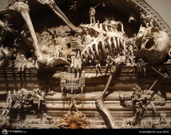 sculptures_by_apocalyptic_02.jpg.2e450492fc734738e68218f51391ac67.jpg