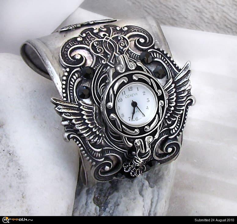 Steampunk_Watch_Silver_Black_2_by_Aranwen.jpg.719cde7a771493b455ba26988abd423d.jpg