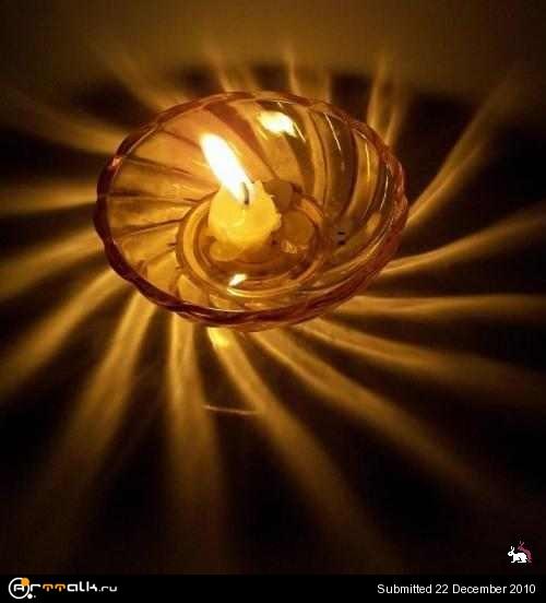 1292948076_candle_2s.jpg.5673289218019d1272dd49ce7289cd21.jpg