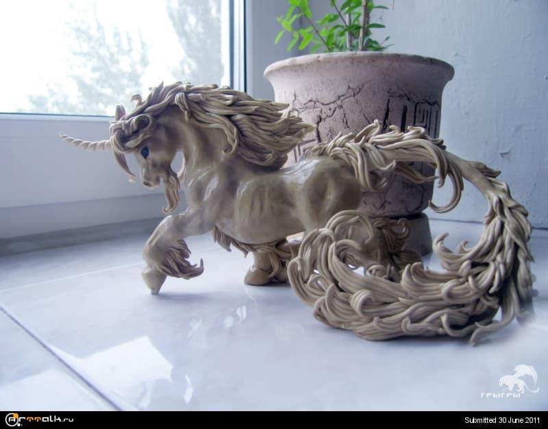 Uni_sculpt.jpg.2593833fe30e3173bf374f09d1d21231.jpg