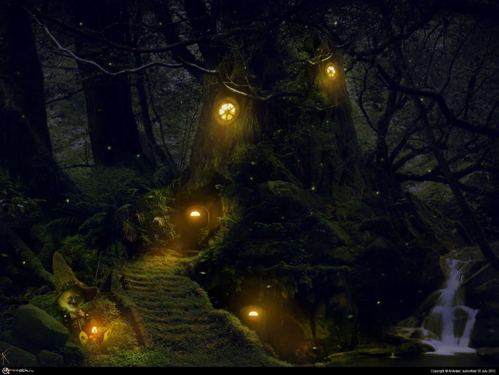 Дом в лесу.