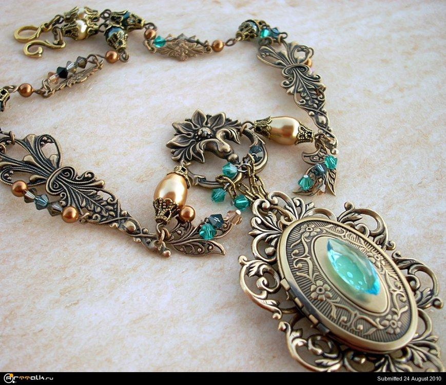 Emerald_Dragon_Golden_Amulet_2_by_Aranwen.thumb.jpg.37edbac961a02e5799cec6e67a41c6cf.jpg