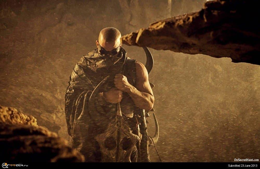 Riddick-2013-HD-Wallpaper.thumb.jpg.a261799ff37bf4a09f3e544da01f7d0a.jpg