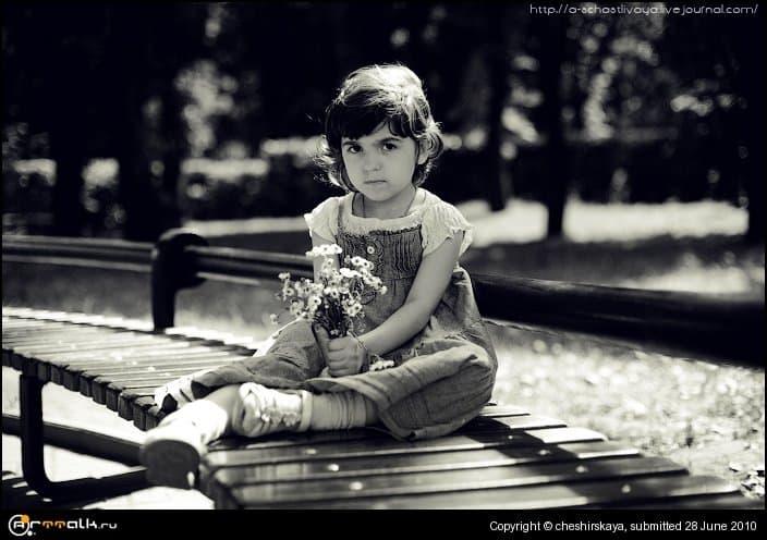 Juliya And Flowers